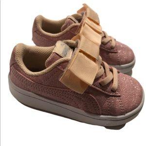 Puma baby girl bow sneaker sz7 pink glitter bow